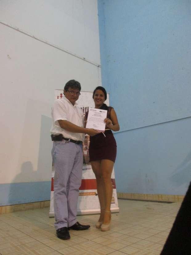 Gobierno Regional de San Martín entrega certificados de competencias laborales a 233 beneficiarios